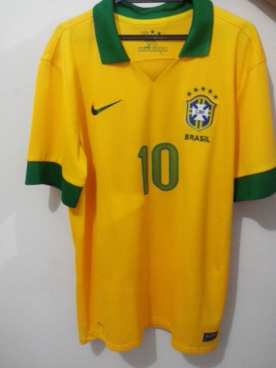 c654ce0c9a camisa seleção brasileira 2013 - camisas nike.  Czm6ly9wag90b3muzw5qb2vplmnvbs5ici9wcm9kdwn0cy8yotq0ntkvmjzimzayyzc4ntmwyzfiowflmtqwm2jmmjgyndq3ogiuanbn  ...