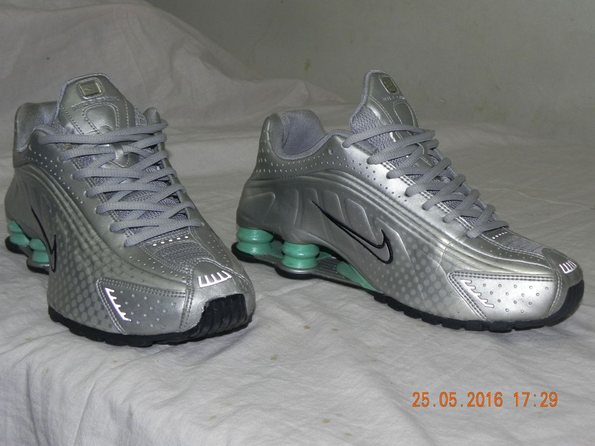 nike shox r4 38 calca 39 semi-novo luxo - sapatos nike 9a637f3a09985