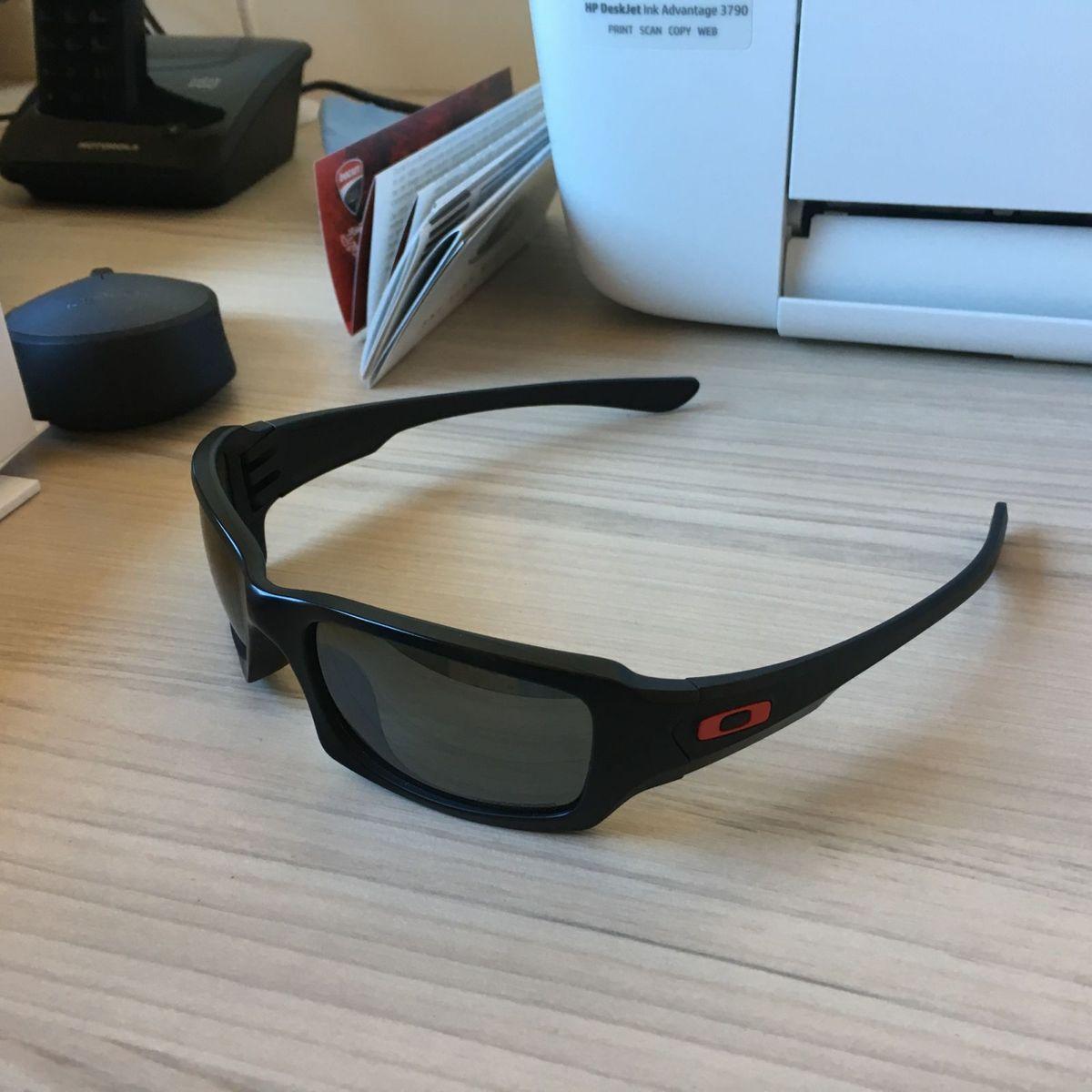 oakley ducatti -lente polarizada - óculos oakley.  Czm6ly9wag90b3muzw5qb2vplmnvbs5ici9wcm9kdwn0cy83mzuwody1lzbkyzzhztixmdlingi4mtm2mzayzdkyyjeymzdimjizlmpwzw  ... 3ece125703