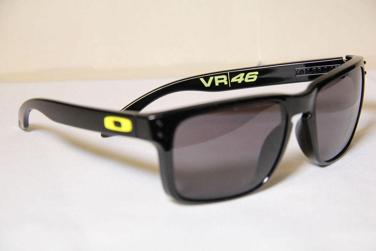 oakley holbrook vr46 polarizado - óculos oakley.  Czm6ly9wag90b3muzw5qb2vplmnvbs5ici9wcm9kdwn0cy81mjixodgyl2ninzc2nzywotaymwviownjmju1oti5ntiwotkznzywlmpwzw  ... b36b2ce93a