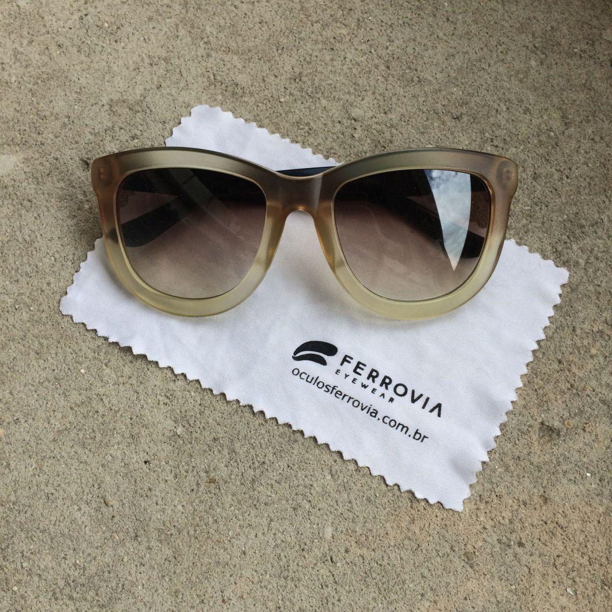 67c90681b2add Óculos Bege Ferrovia