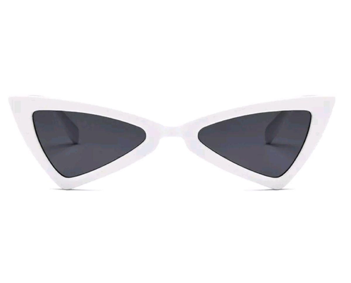 72c37b477145a óculos branco triangular - óculos sem marca.  Czm6ly9wag90b3muzw5qb2vplmnvbs5ici9wcm9kdwn0cy8yodcyodcvzjiymdcxmmu1yzg5mmi0n2i5yjc4mgvimte3ntlkoguuanbn  ...
