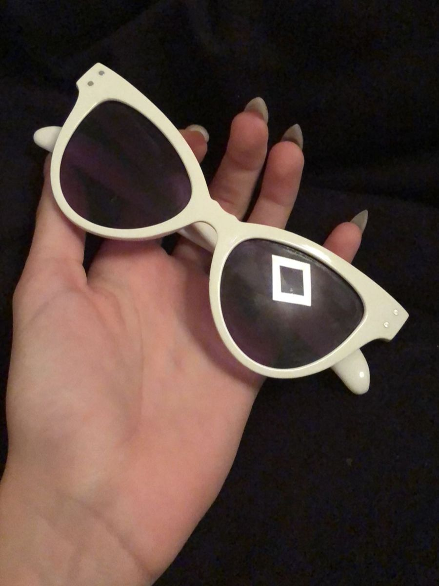 a07cb6580f618 oculos branco - óculos sem marca.  Czm6ly9wag90b3muzw5qb2vplmnvbs5ici9wcm9kdwn0cy84ntc3odu4l2rknji0nwu5n2njnmzjyzdiotkxzjlkmwewyjk1ogixlmpwzw  ...