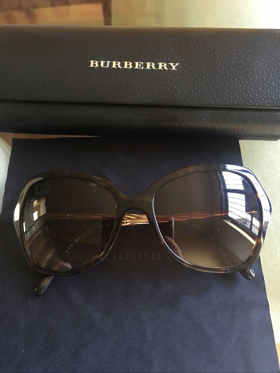 b64133d2e oculos burberry - óculos burberry.  Czm6ly9wag90b3muzw5qb2vplmnvbs5ici9wcm9kdwn0cy85mdm0ody2l2qxzwzjnti5mjy2mzkxngvmyju5zdu1owm4ztjkntk4lmpwzw