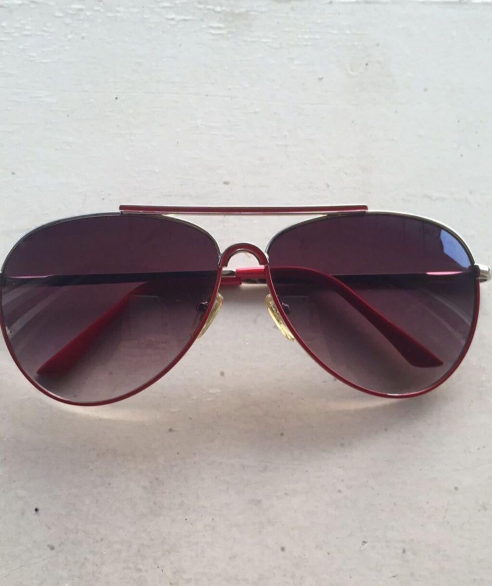 Óculos de Armação Vermelha Triton   Óculos Feminino Triton Usado ... b7c4dbb94f