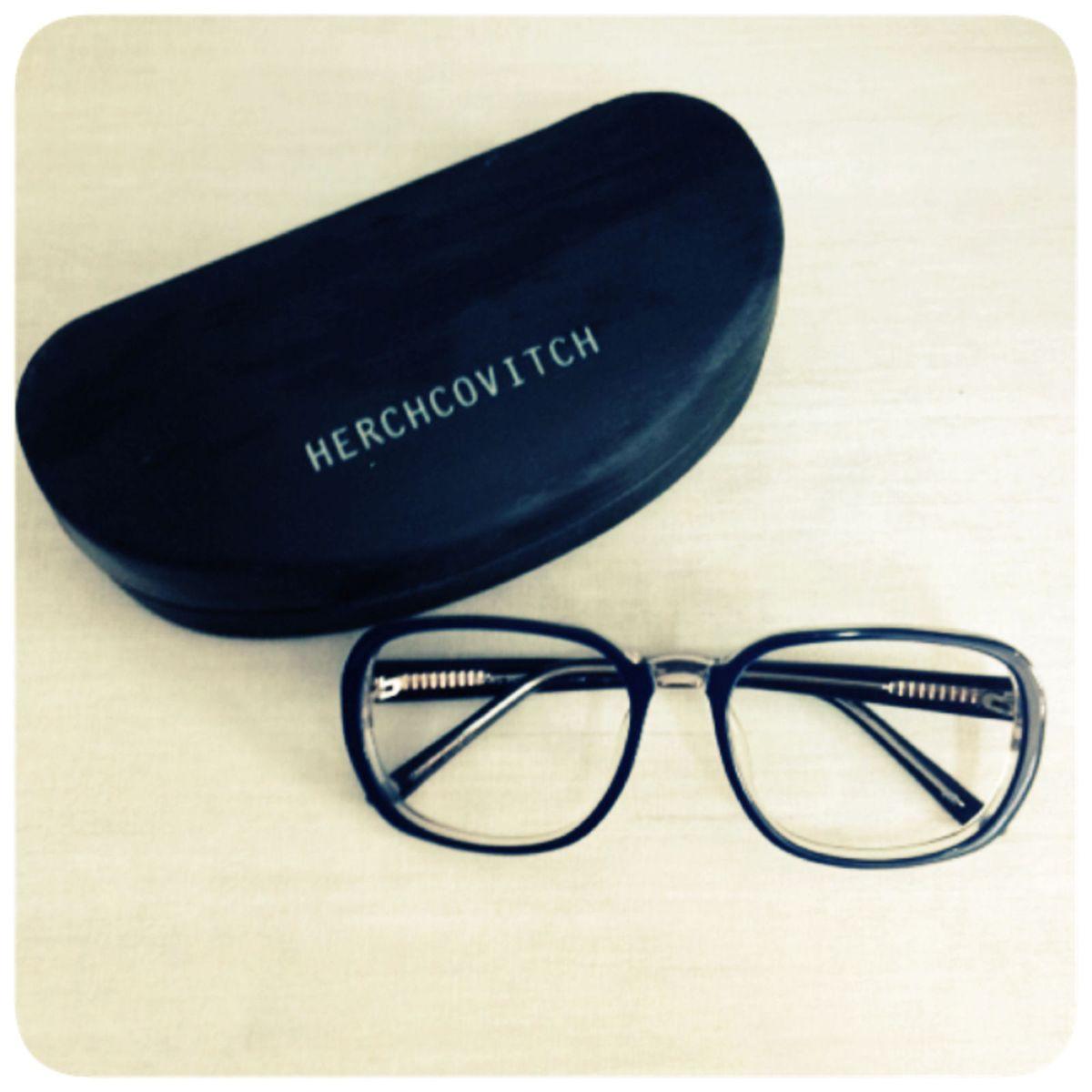 2779d7d5687ca Óculos de Grau Herchcovitch Chilli Beans   Óculos Feminino Nunca ...