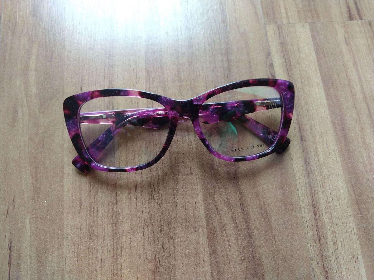 5541cc03ff707 óculos de grau marc jacobs - óculos marc jacobs.  Czm6ly9wag90b3muzw5qb2vplmnvbs5ici9wcm9kdwn0cy85njizmtc1lzvjmdjimznkmgyxmmflmtrim2m3otg5ntnhmmq1ytbilmpwzw  ...
