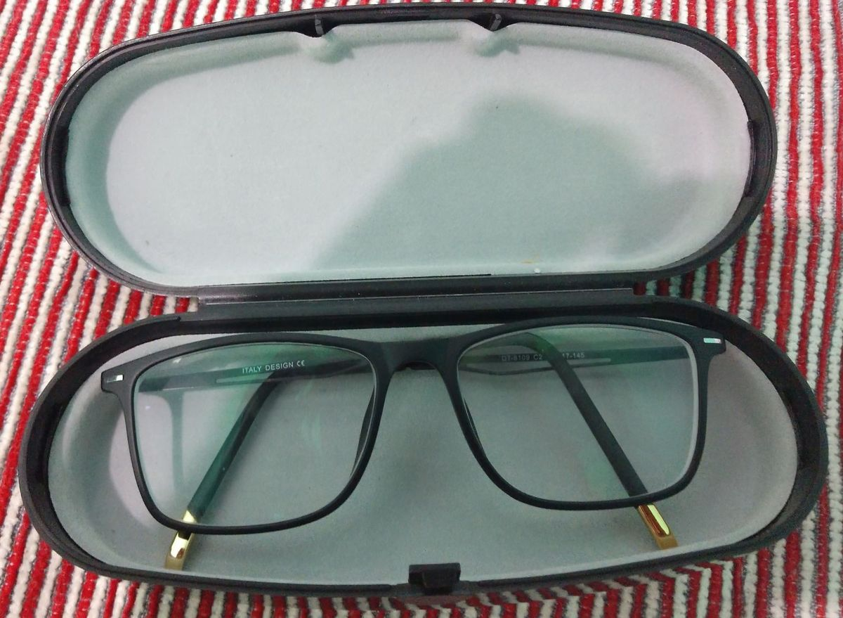 3a2da52d6 óculos de grau - óculos italy.  Czm6ly9wag90b3muzw5qb2vplmnvbs5ici9wcm9kdwn0cy82mji0ote4l2uwzjnimdgwmtmymzk1njnhnzg1mtkwmme1n2q4ntzmlmpwzw