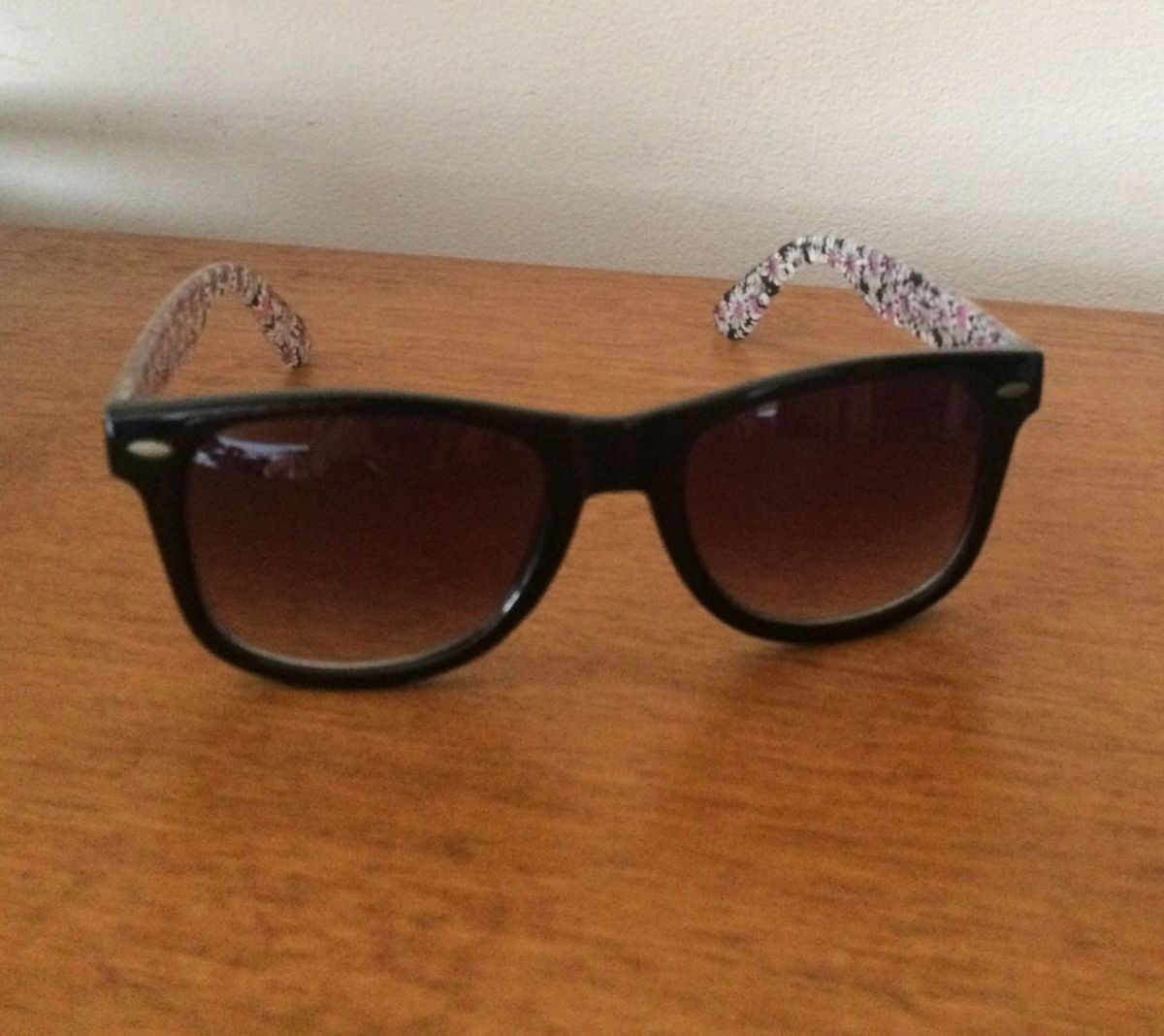 d0f99e79e8b40 Óculos de Sol Aéropostale (original)   Óculos Feminino Aeropostale ...