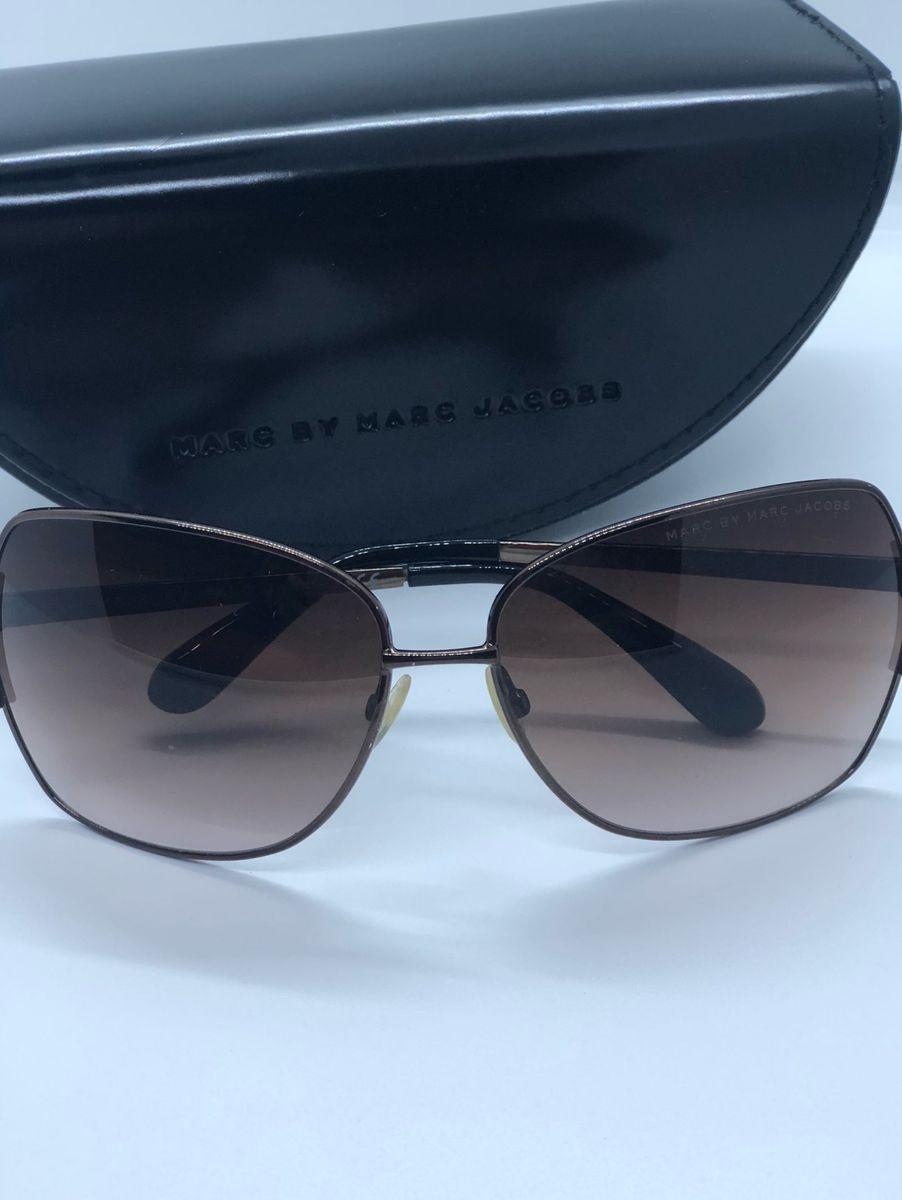 Óculos de Sol Arredondado da Marca Marc Jacobs   Óculos Feminino ... be6a127bb9
