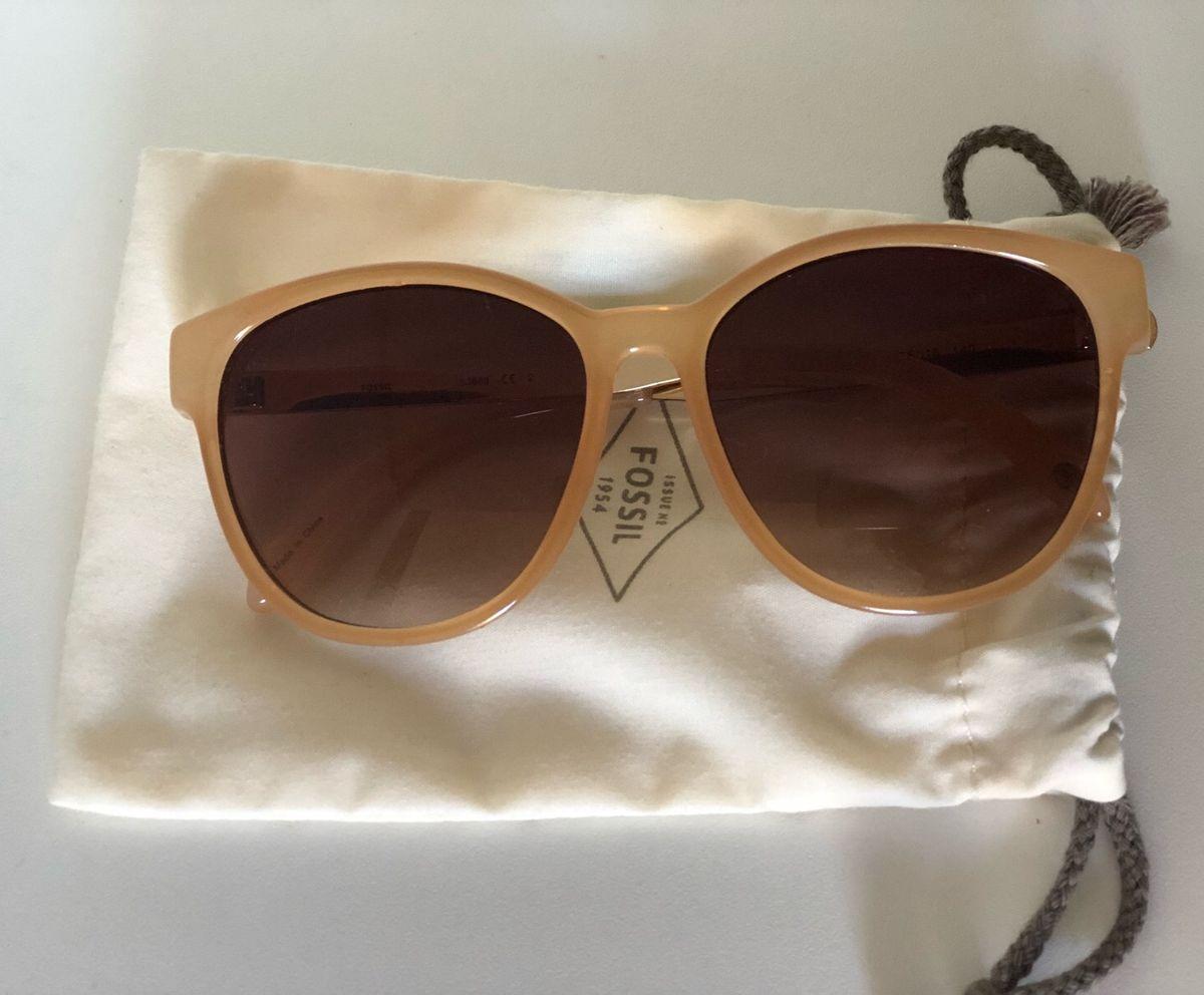 9574351e05afc óculos de sol arredondado- marrom claro fóssil - óculos fossil
