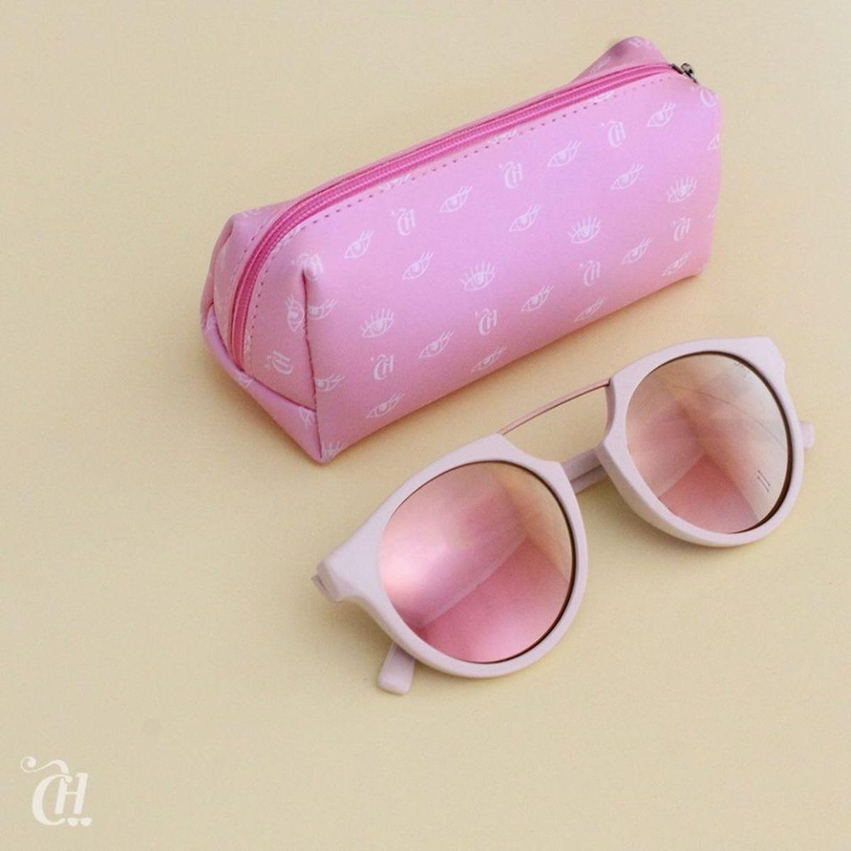 e9d91f9157428 óculos de sol capricho - óculos capricho.  Czm6ly9wag90b3muzw5qb2vplmnvbs5ici9wcm9kdwn0cy8xmzazmzmvnwnlztc1owjhzgy0ntqxntmwnjkzzwjlm2m1njrmn2iuanbn  ...