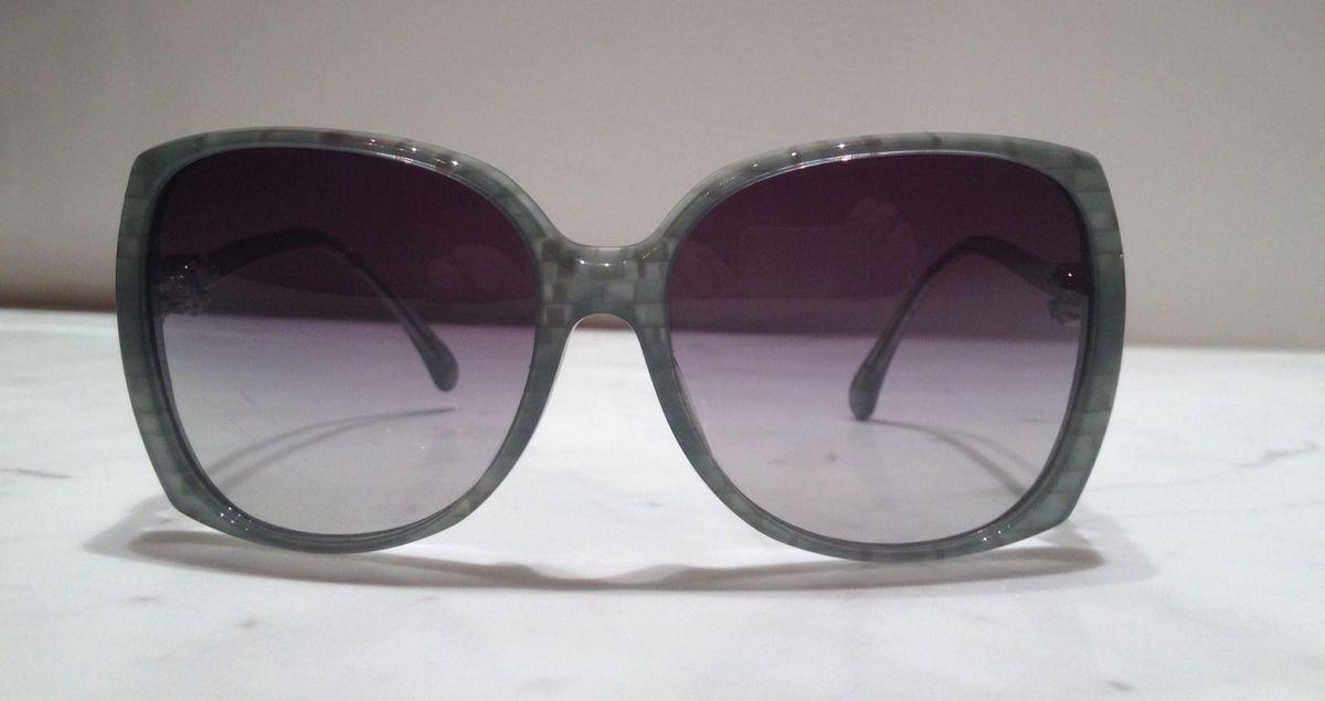 2bd5152df94f8 oculos de sol - chanel - óculos chanel.  Czm6ly9wag90b3muzw5qb2vplmnvbs5ici9wcm9kdwn0cy80nzyzmdivmtiwmtq2nzvmmzbhytkzyjy2nzu2ngmxzjkwodm5zguuanbn