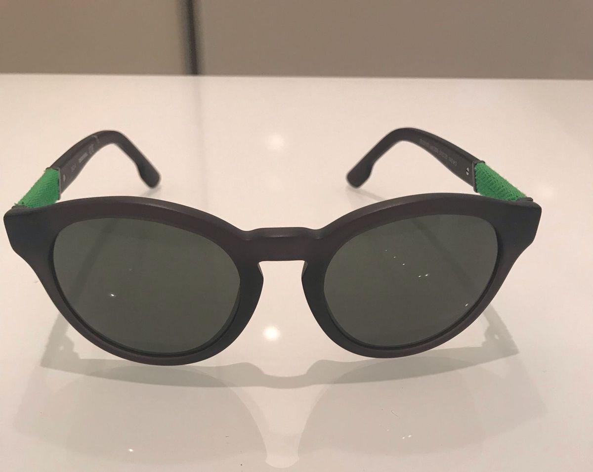óculos de sol diesel - óculos diesel.  Czm6ly9wag90b3muzw5qb2vplmnvbs5ici9wcm9kdwn0cy85mjgzodg4l2fknji0mdhmmjewmme4mddlyzy0y2i4ogqxodk0yjexlmpwzw  ... e82503ea87