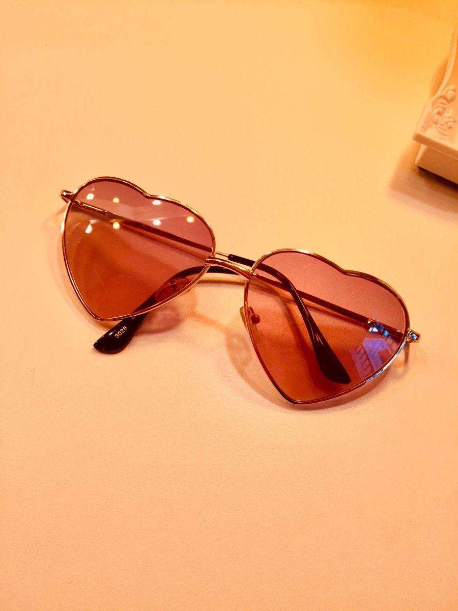 4f8ee807d59df Óculos de Sol em Formato de Coração   Óculos Feminino Ray Ban Usado ...
