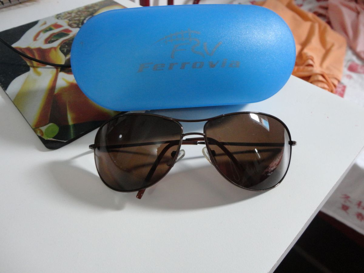 525521068dd9a óculos de sol ferrovia - óculos ferrovia.  Czm6ly9wag90b3muzw5qb2vplmnvbs5ici9wcm9kdwn0cy8xotuyms9knzlmndzlzgvhogm1mwfmmmm0mzc5ogm3zwviyzg1my5qcgc  ...