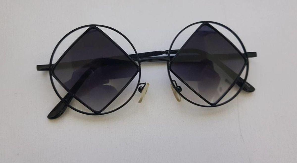 óculos de sol geometrico - óculos sem marca.  Czm6ly9wag90b3muzw5qb2vplmnvbs5ici9wcm9kdwn0cy83mdaxmta2lzuwzju4ngnlogu3nzdjotm0n2q0nddmodqxmzbjnzbhlmpwzw  ... 833c970707