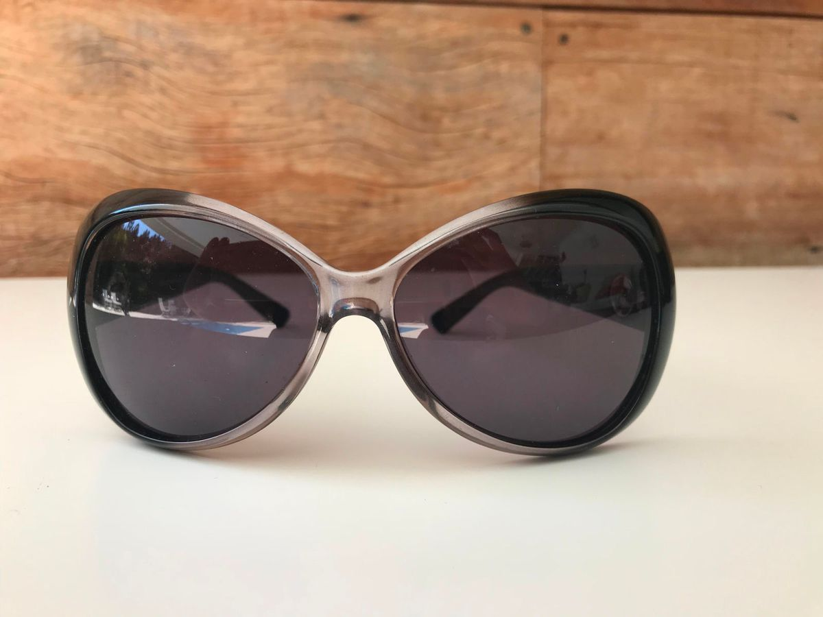 9c8fb168a07 óculos de sol giorgio armani preto degradê - óculos giorgio armani
