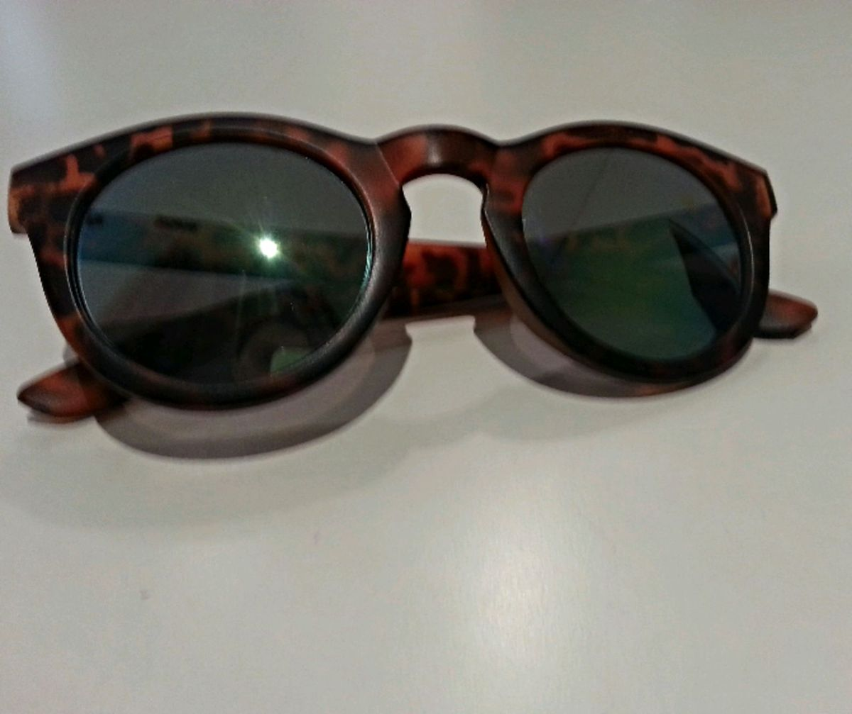 869be84db5bc2 óculos de sol - illesteva - óculos elo.  Czm6ly9wag90b3muzw5qb2vplmnvbs5ici9wcm9kdwn0cy8xnzqwnduvnwflyjdmn2jinweymwvknjk3njqwntmzoguzmjk0nweuanbn  ...