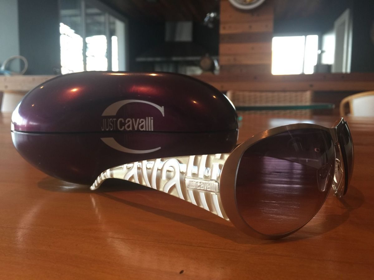65f663cc25374 Óculos de Sol Just Cavalli Maraaa!   Óculos Feminino Just Cavalli ...
