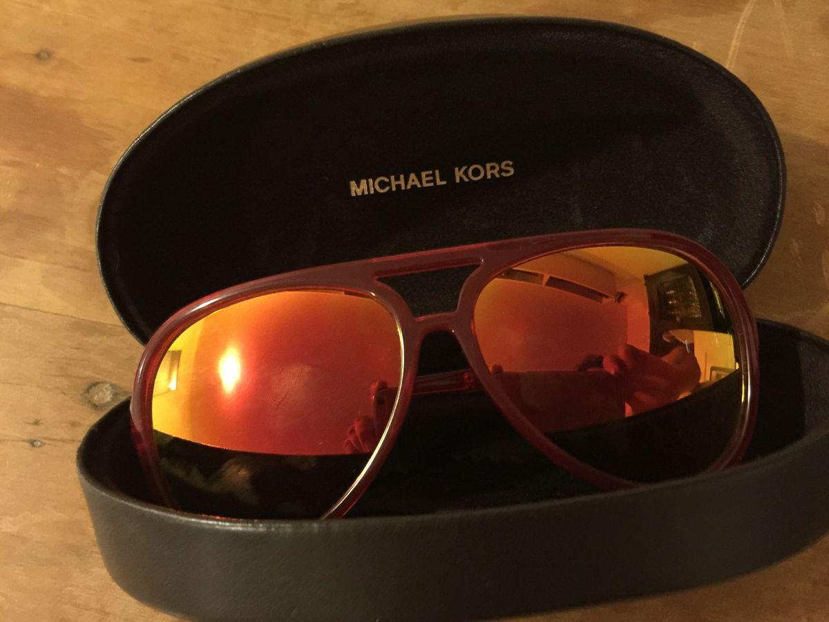 Óculos de Sol Michael Kors - Vermelho e Amarelo   Óculos Feminino ... ca947d98b2