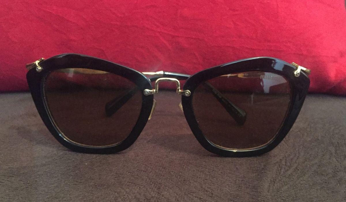 óculos de sol miu-miu - óculos miu-miu.  Czm6ly9wag90b3muzw5qb2vplmnvbs5ici9wcm9kdwn0cy85mji4njivmtbimjbhmdmznmzhmzvjnji4zgq5mtlizjq4ogi1mzyuanbn  ... 99d13dea1b