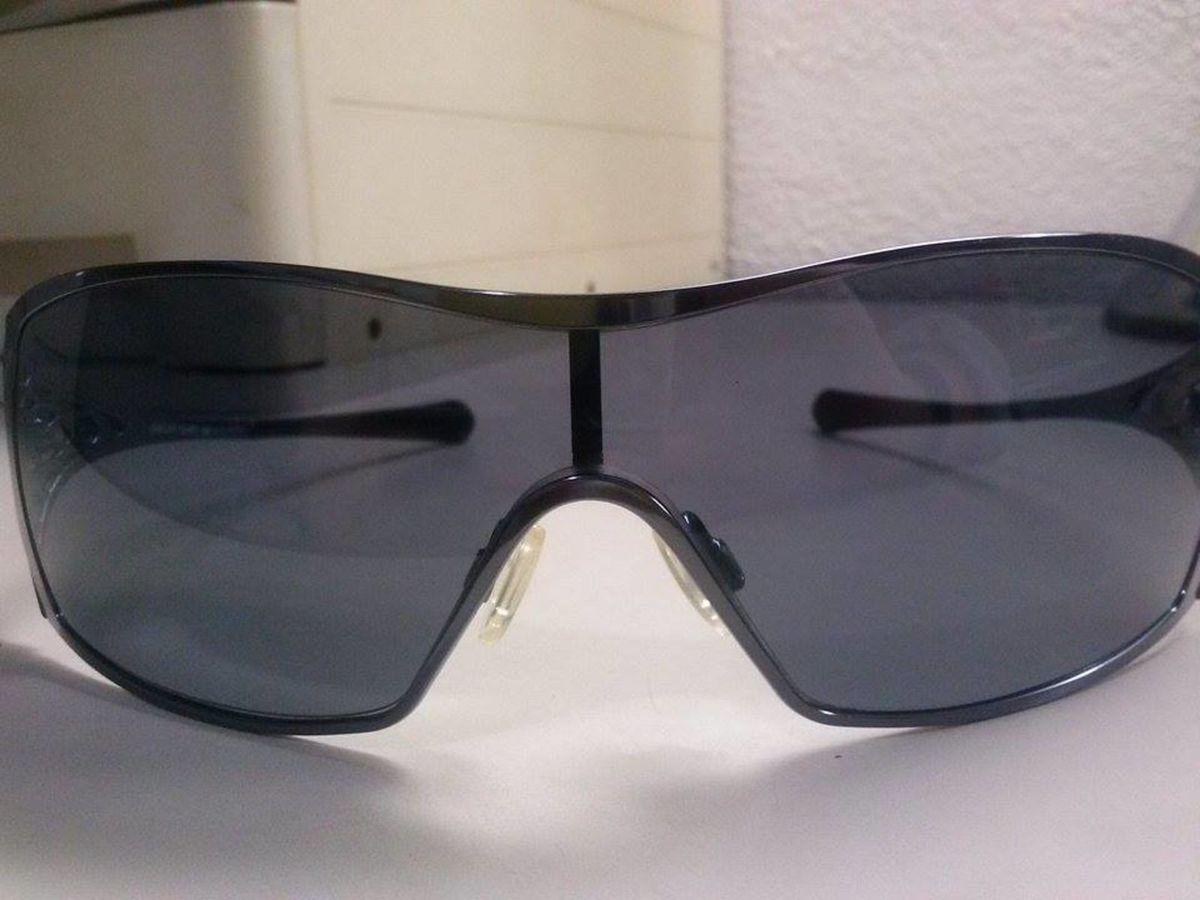 22c26c2bd70ee Óculos de Sol Oakley Dart Black   Óculos Feminino Oakley Dart Black ...