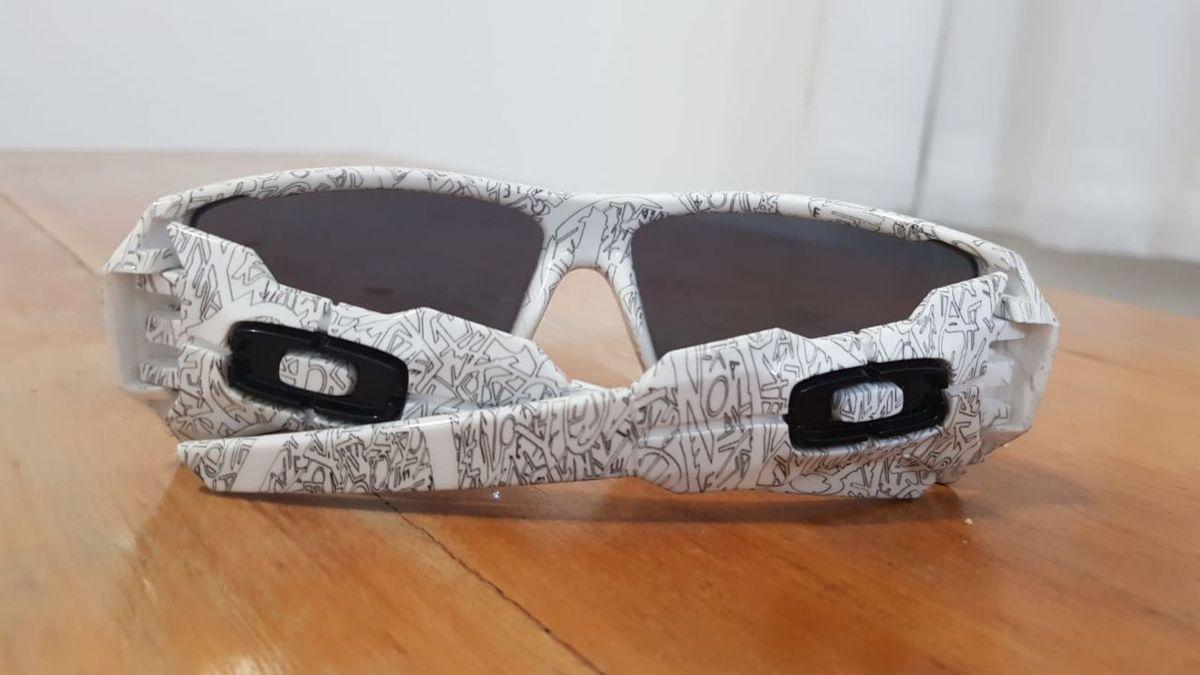 Óculos de Sol Oakley Oil Rig Branco   Óculos Masculino Oakley Usado ... cf08085989
