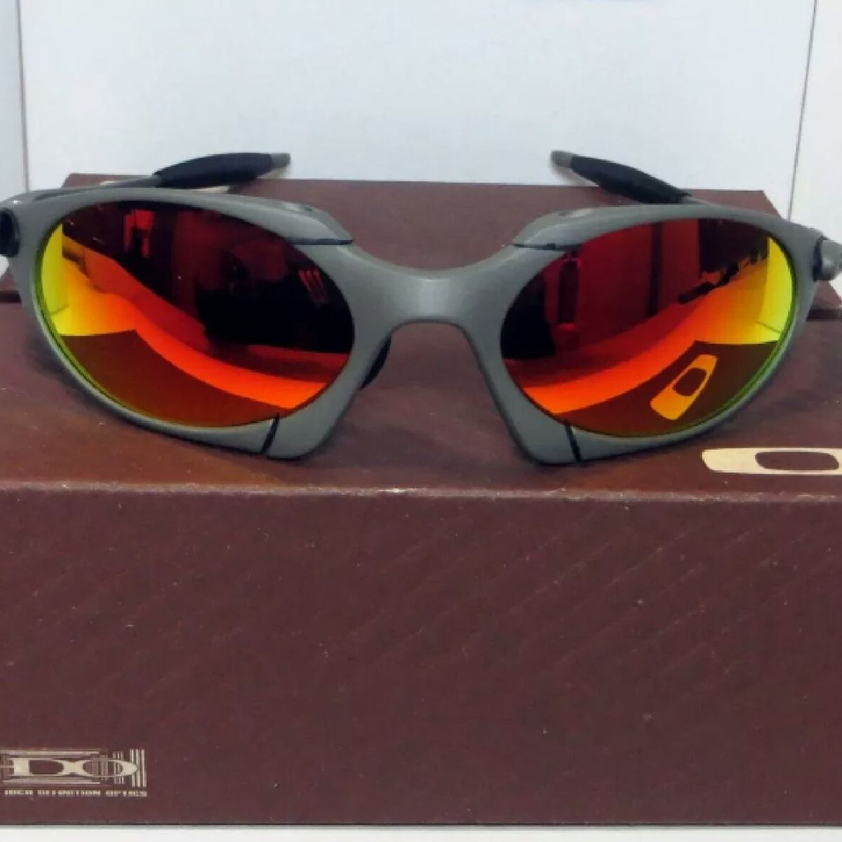 a063280d0 Óculos de Sol Oakley Romeo 1 Xmetal Novo Na Caixa | Óculos Masculino Oakley  Nunca Usado 33864768 | enjoei