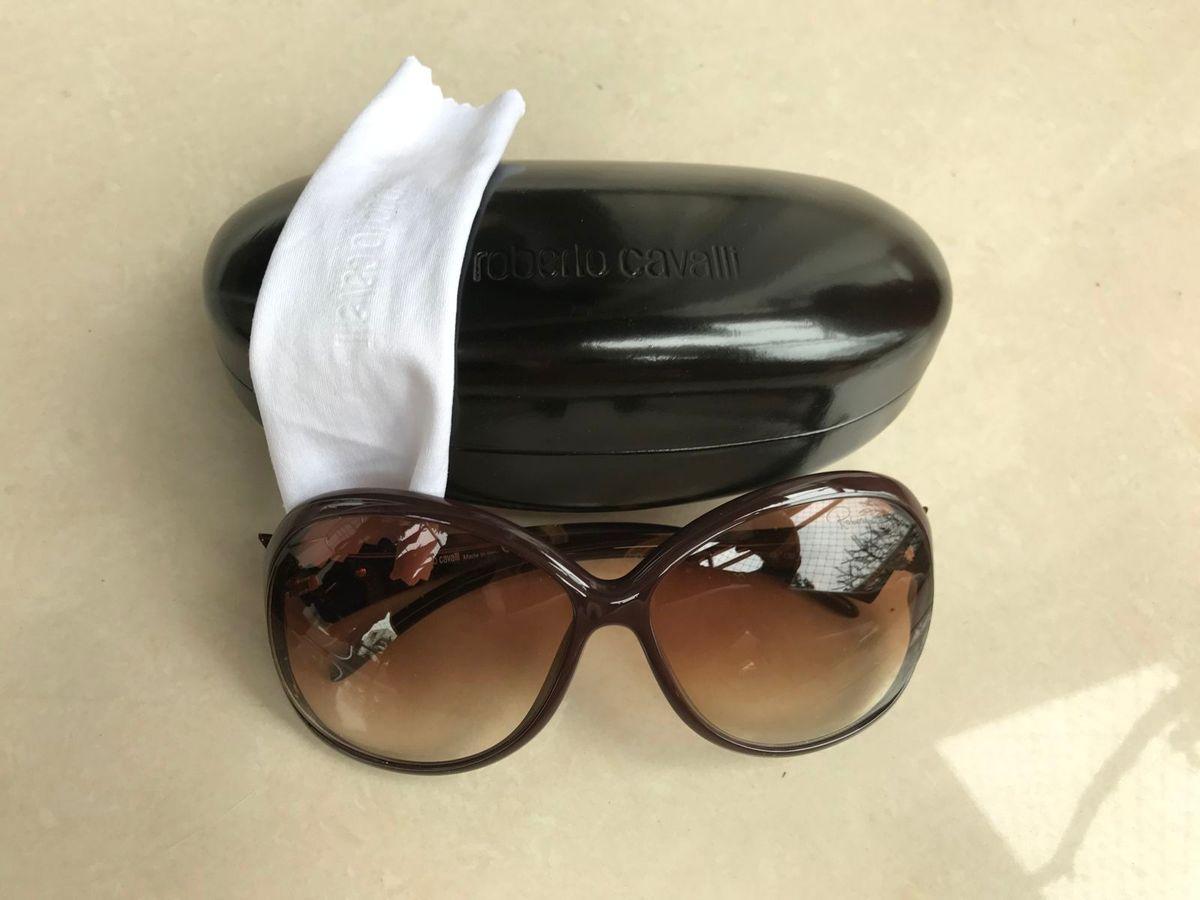 a55e2628aae6c óculos de sol r - óculos roberto cavalli.  Czm6ly9wag90b3muzw5qb2vplmnvbs5ici9wcm9kdwn0cy81njuyoda3l2y5mzq2mgfkntdmmjk0mwy5zjfiyzvhyzi0odk0ymzmlmpwzw  ...