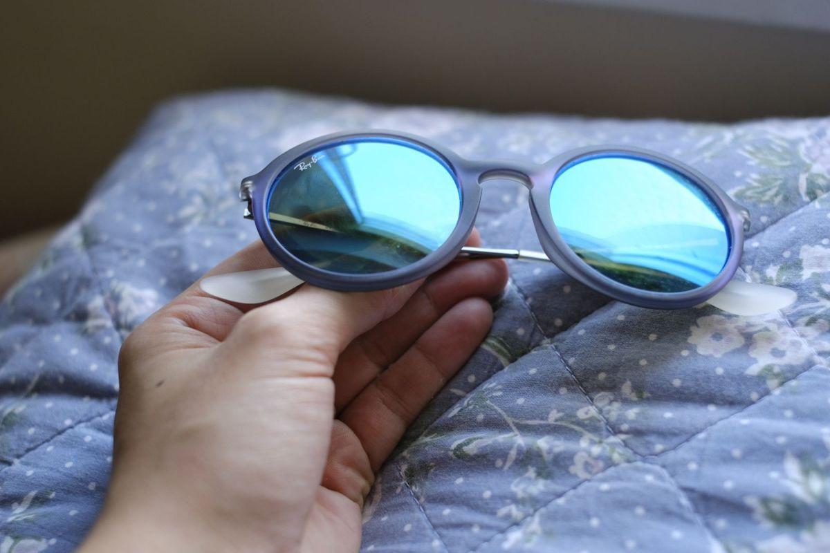 Óculos de Sol Rayban Azul Espelhado   Óculos Feminino Ray Ban Usado ... b85ac3633f