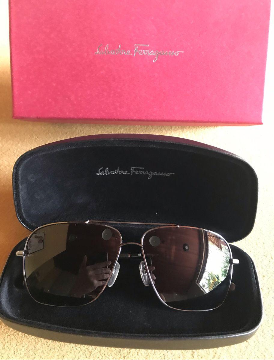 6f138bb07 óculos de sol salvatore ferragamo preto com caixa, case, docs, lenço de  limpeza
