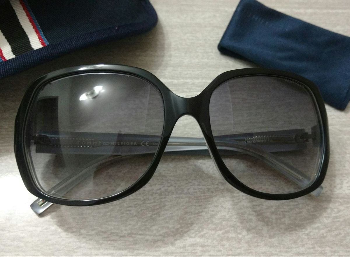 f4fac2c72 Óculos de Sol Tommy Hilfiger   Óculos Feminino Tommy Hilfiger Usado ...