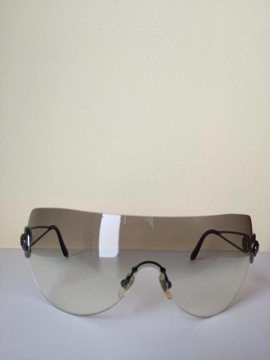 f14c95c804417 óculos de sol versace máscara oversize modelo 2038 1001 87 - óculos versace
