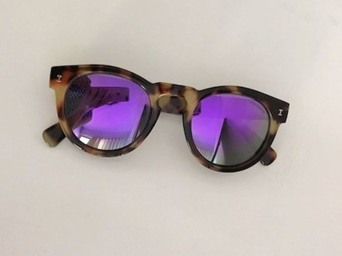 299429cae7034 óculos espelhado roxo mara! - óculos sem marca.  Czm6ly9wag90b3muzw5qb2vplmnvbs5ici9wcm9kdwn0cy80ntg3nzm1lzbmndi1nzg2yjayyja4y2ninmrjyzzlyweyzgfjogiwlmpwzw  ...
