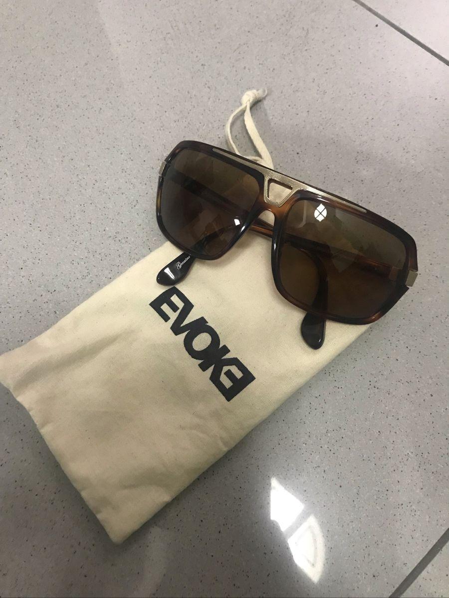 8926bbdc648d0 óculos evoke original - óculos evoke.  Czm6ly9wag90b3muzw5qb2vplmnvbs5ici9wcm9kdwn0cy82odixmte0l2rkntfjnwriztq1mtrjnmrjnmq1ndk3m2qyotq3mgmwlmpwzw