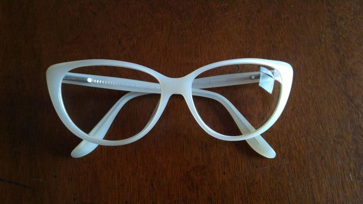5a897eb7c7f4a oculos gatinha retrô - óculos house of vintage.  Czm6ly9wag90b3muzw5qb2vplmnvbs5ici9wcm9kdwn0cy8zmzkyntavzmflnwzhzmewogi0ngy2mtuzmjmxm2jinzywyta0ndguanbn  ...