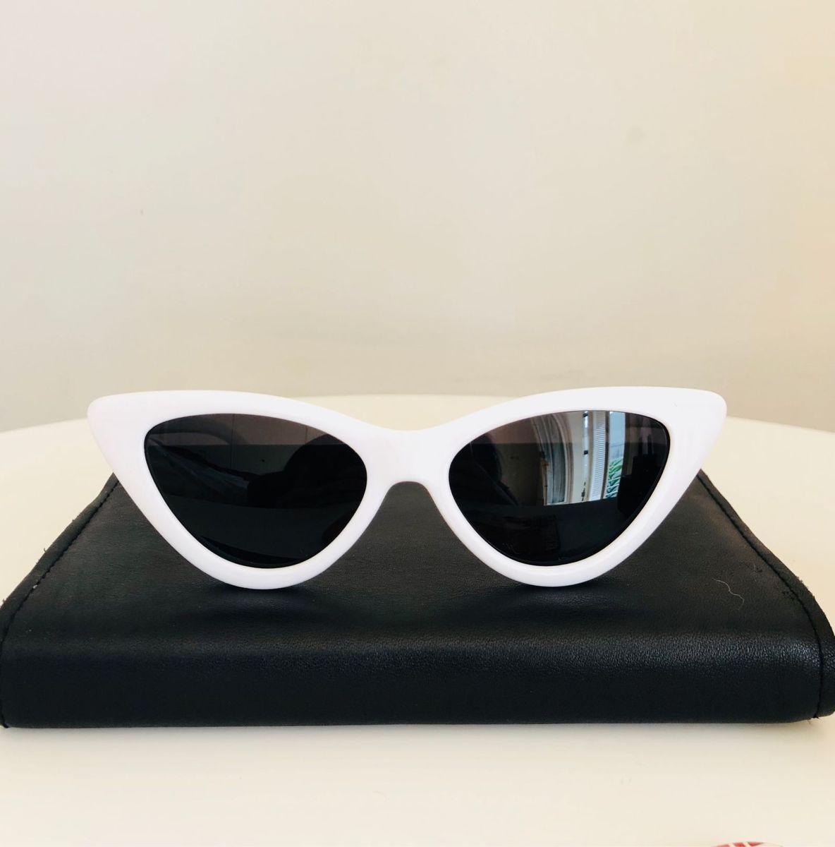c0ba42a41dfab óculos gatinha vintage branco - óculos sem-marca.  Czm6ly9wag90b3muzw5qb2vplmnvbs5ici9wcm9kdwn0cy8ymta4mtavmddhn2fhntk4yzdimty5ymvkztiynmu3mdk3ngyzymiuanbn  ...