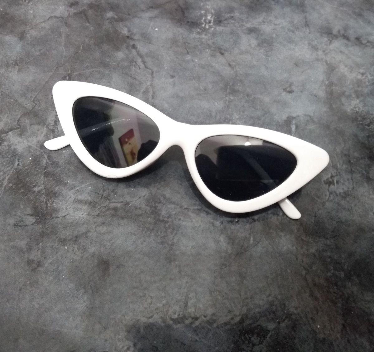 bdfb04b346469 óculos gatinho branco - óculos sem-marca.  Czm6ly9wag90b3muzw5qb2vplmnvbs5ici9wcm9kdwn0cy81mjkymdq2lzdinze2ntk3nwmyndq2nmewywuyn2qxmtjjognmzjzhlmpwzw  ...