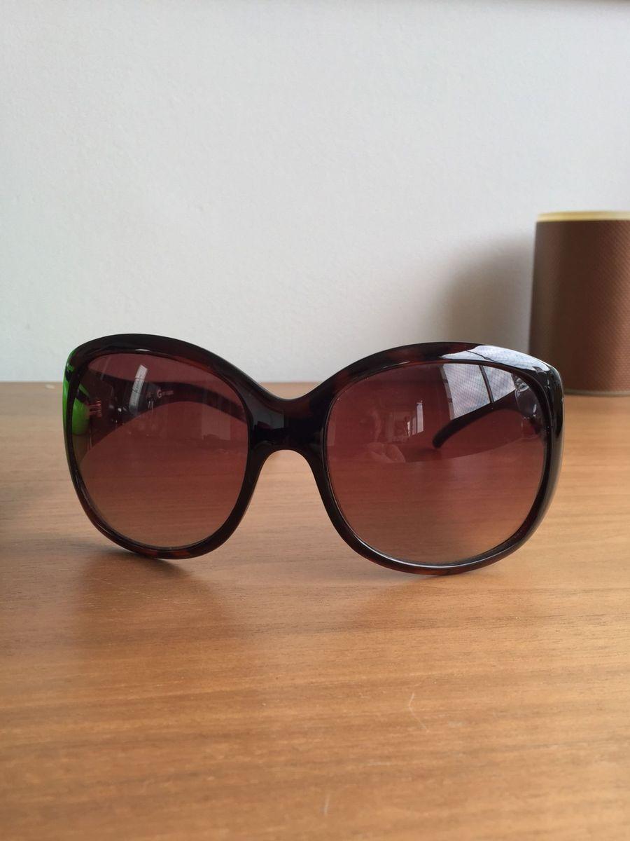 a1b62290b óculos guess original super conservado - óculos guess.  Czm6ly9wag90b3muzw5qb2vplmnvbs5ici9wcm9kdwn0cy8xntevowyzytrimwy1yjq3mzbjzgm2zwzknjmynzq1ytc1n2uuanbn