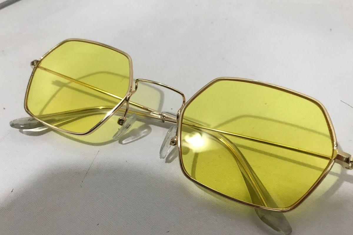bc9a8beea9d99 Óculos Hexagonal Lente Amarela   Óculos Feminino Marie Cherry Nunca Usado  29435644   enjoei