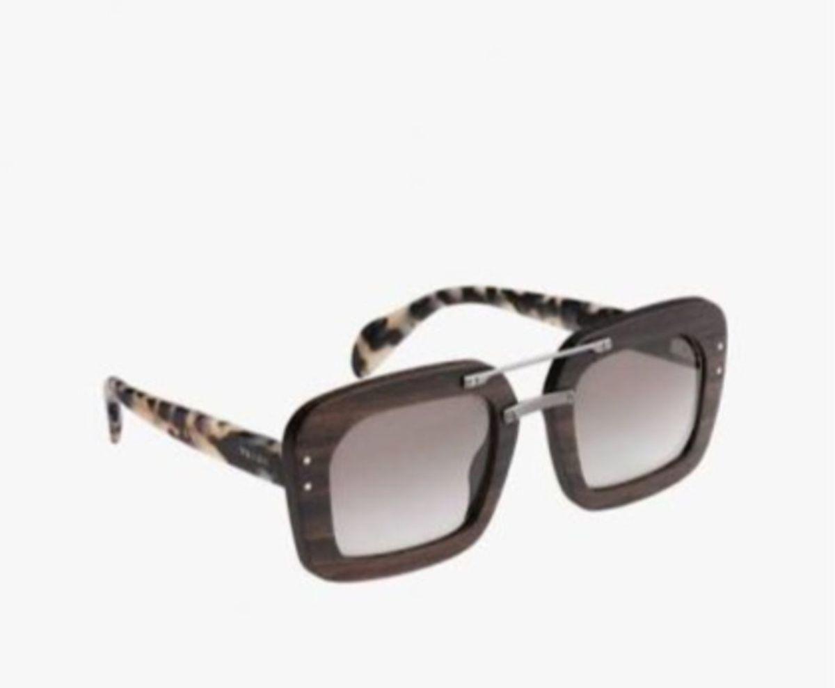 546e1915c7666 óculos madeira prada original - óculos prada.  Czm6ly9wag90b3muzw5qb2vplmnvbs5ici9wcm9kdwn0cy8yoduzotqvmmy0mwq3mmfkzddhmdhhmmziywyyndhhzjvjmwizytyuanbn  ...