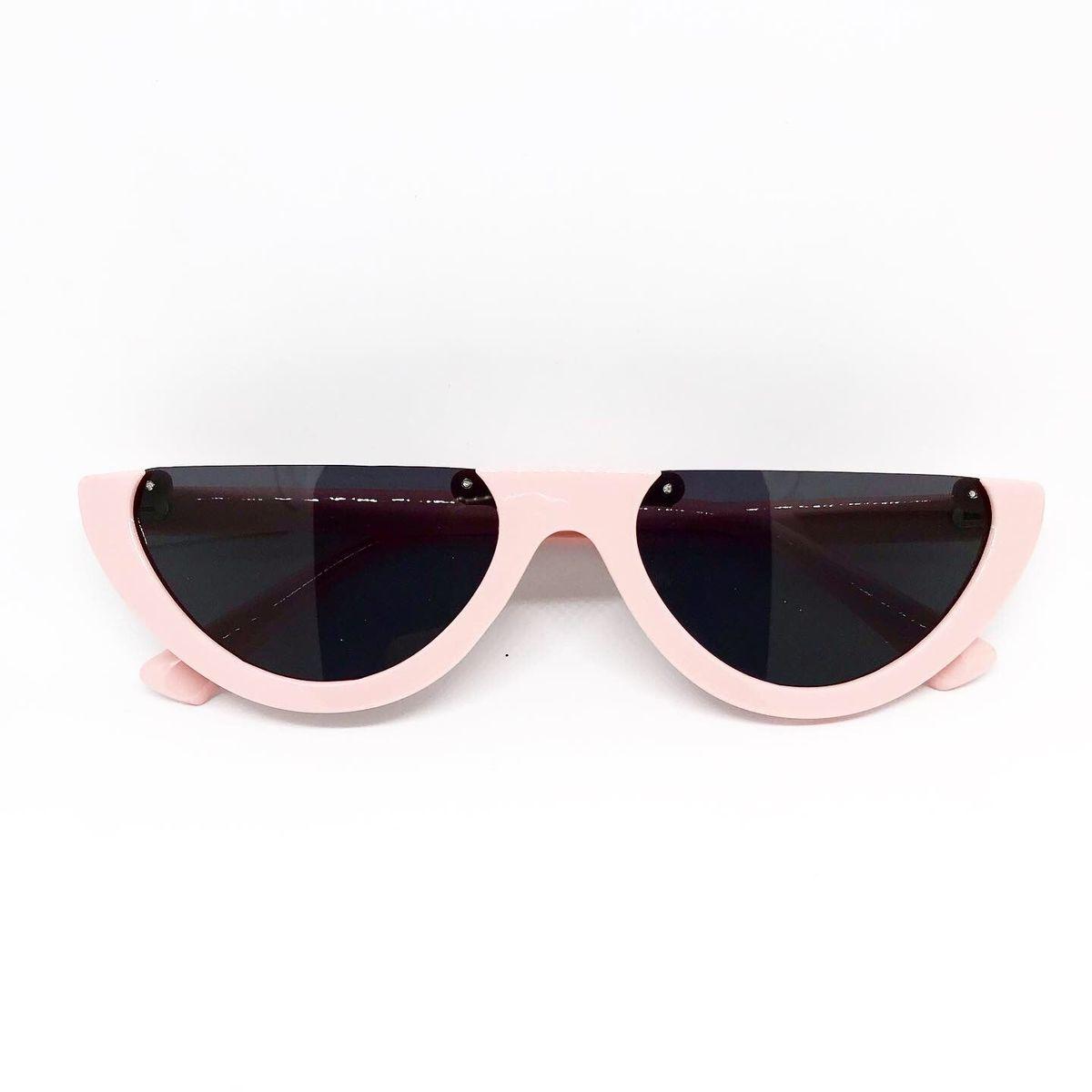 3c2fb9ada Óculos Meia Lua Rosa e Preto | Óculos Feminino Lecoleto Nunca Usado  34446961 | enjoei