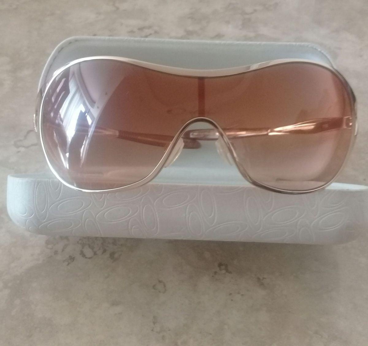 2fa1a75b44a15 óculos oakley deception feminino - óculos oakley.  Czm6ly9wag90b3muzw5qb2vplmnvbs5ici9wcm9kdwn0cy85mja1odiylze3ymuyowq4zgzhzmm1yjhiytllmjq1nmq1n2e4zjk0lmpwzw  ...