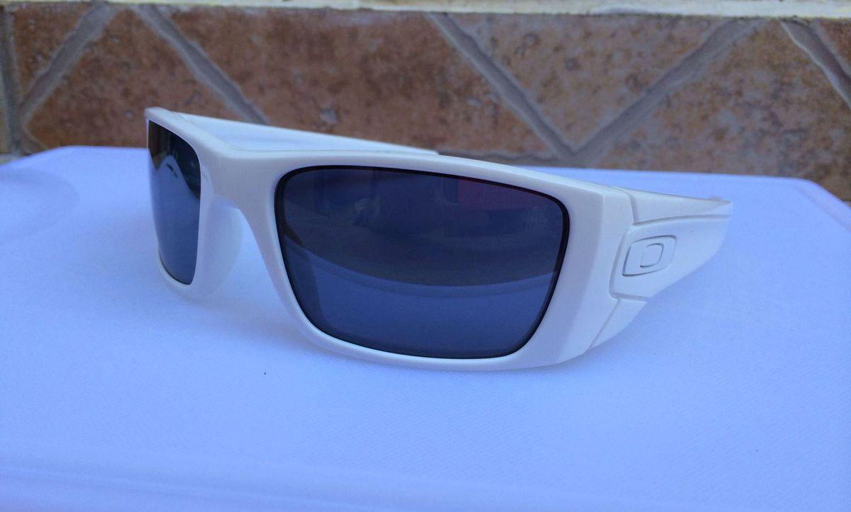 Óculos Oakley Fuel Cell Polished White Lente Black Iridium   Óculos ... dda6b231b8