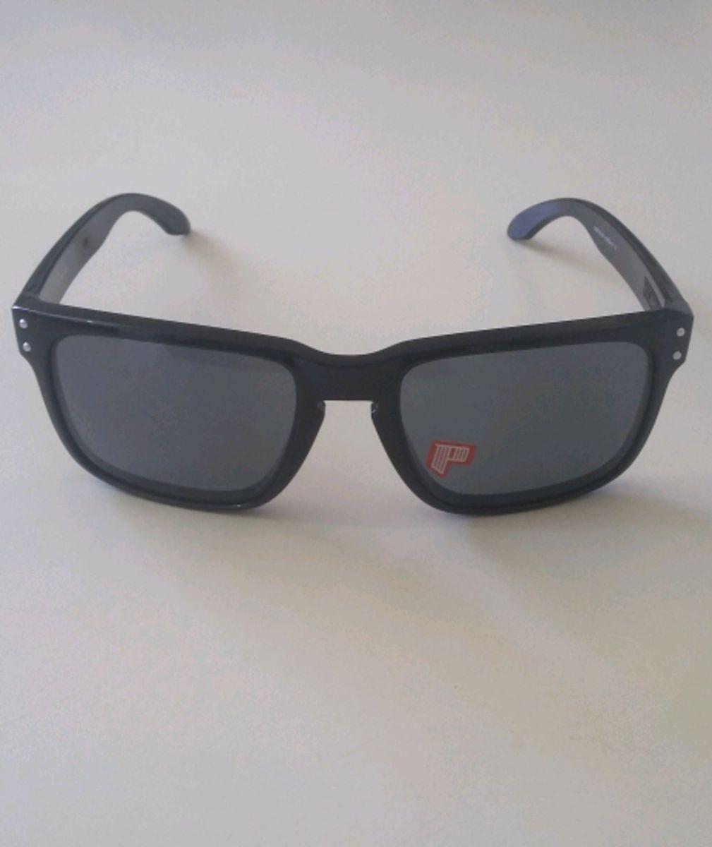 óculos oakley holbrook preto - óculos oakley.  Czm6ly9wag90b3muzw5qb2vplmnvbs5ici9wcm9kdwn0cy80otk3ndu0l2m2mtu4yzk0mtyymzm1mgy4oty3nwvjnwu5yzdjyzkzlmpwzw  ... 4b8e57724b