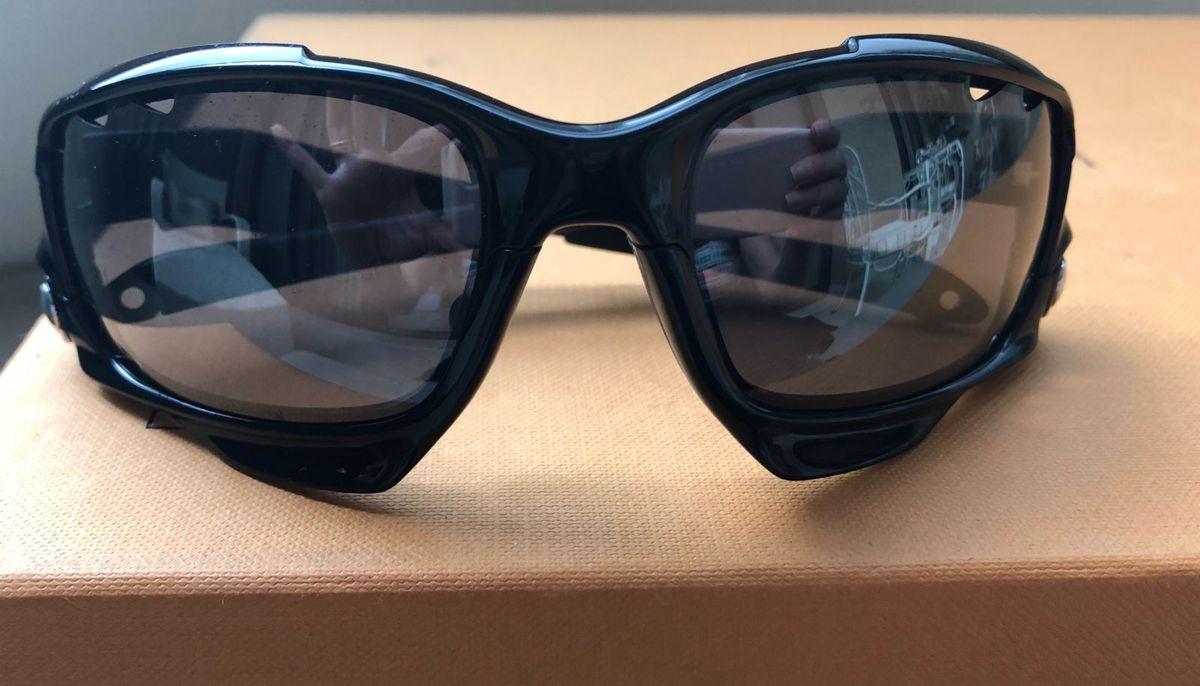 c94ffc46df2bf óculos oakley racing jacket - esportes oakley.  Czm6ly9wag90b3muzw5qb2vplmnvbs5ici9wcm9kdwn0cy82mtc3odm4l2ixntvlmthizddhm2uwntfhytk4mdjhmmnjythhy2zjlmpwzw  ...