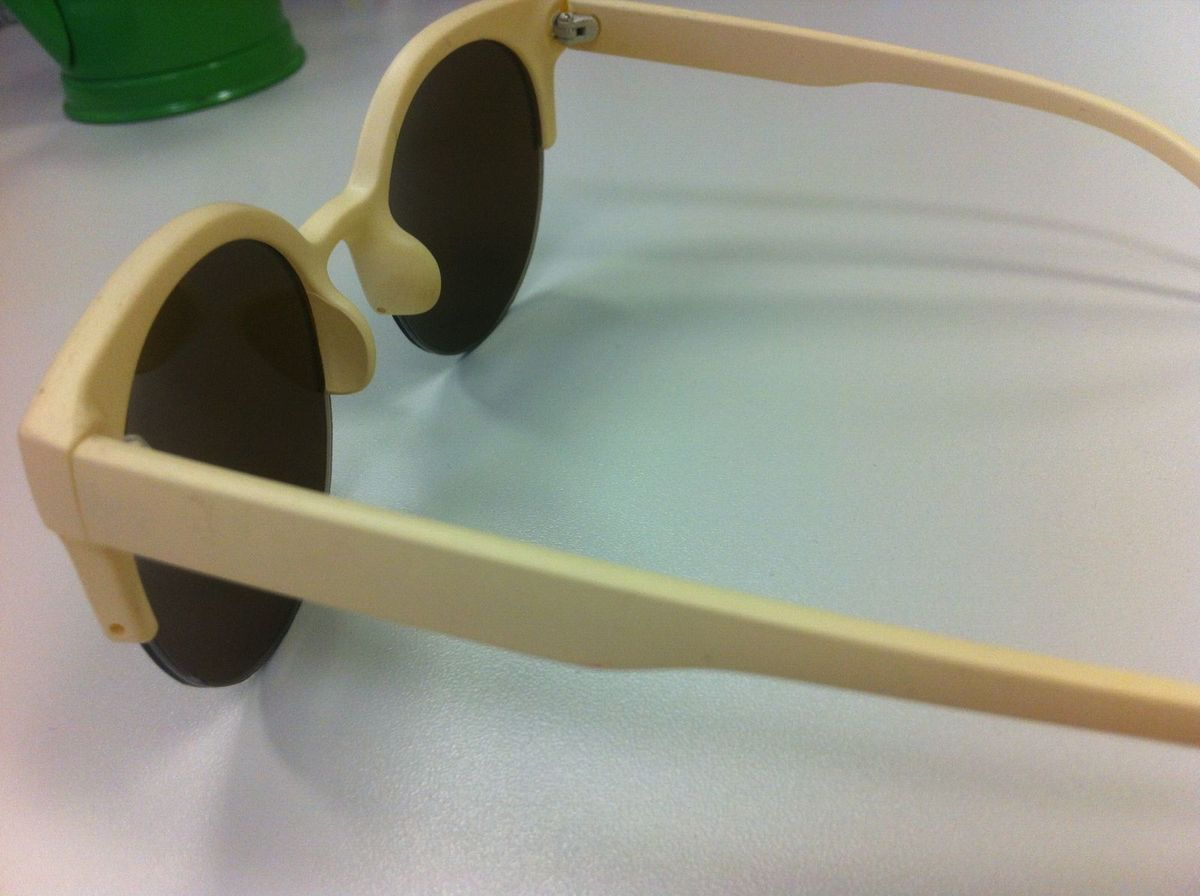 123284863629b Óculos . Óculos de Sol Redondo - Feminino - Branco marfim   Óculos Feminino  . Nunca Usado 806859   enjoei