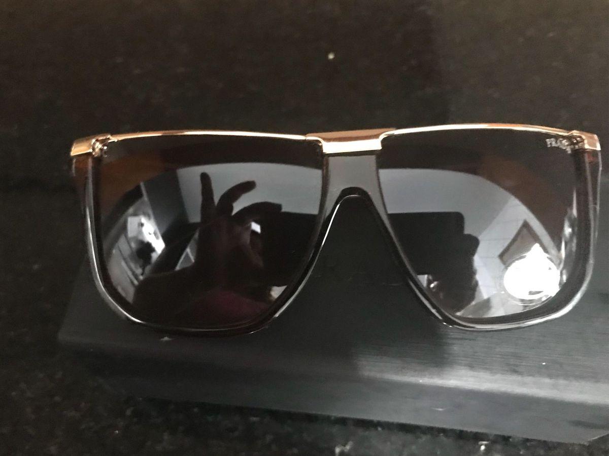 81a1309ea8945 óculos prada original - outros prada.  Czm6ly9wag90b3muzw5qb2vplmnvbs5ici9wcm9kdwn0cy81mjuxmze1l2y1nzdkyzrlndeyodkyztmwy2e2nji3ngm0nju5zgi4lmpwzw  ...
