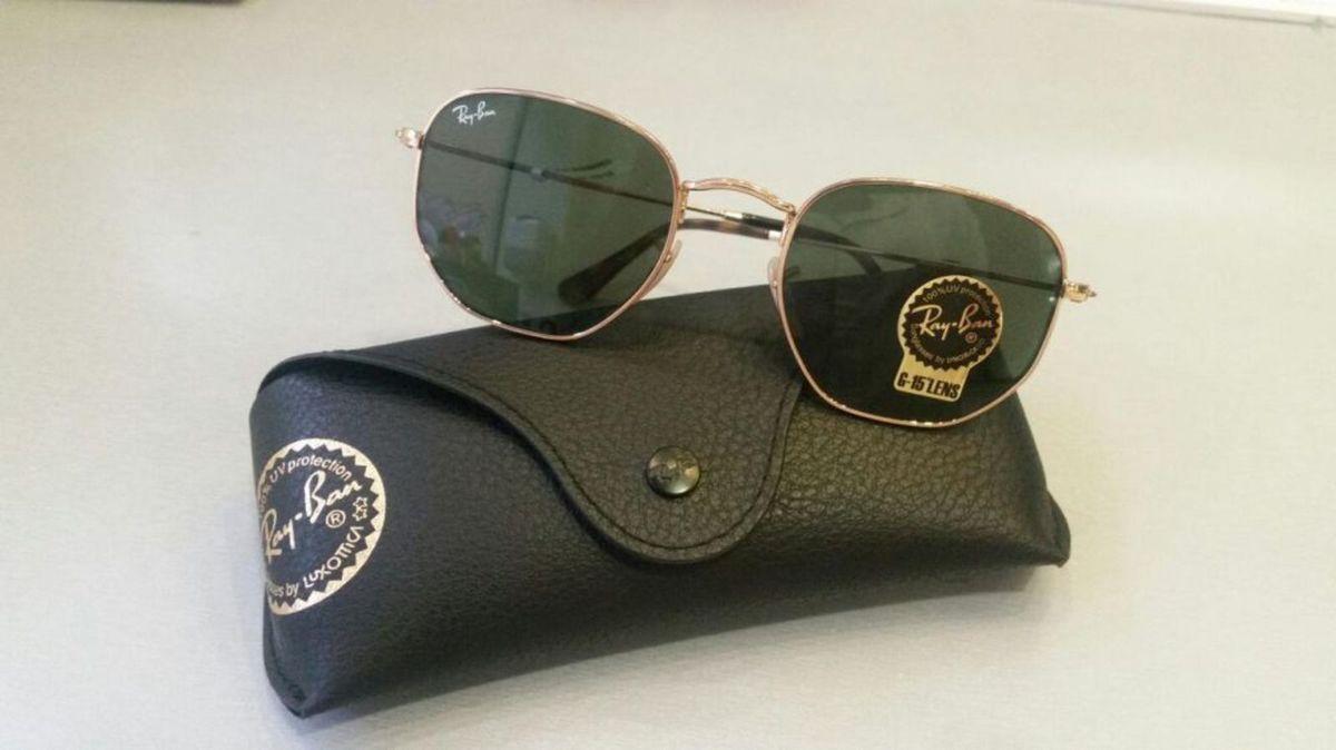 óculos ray-ban hexagonal - óculos ray-ban.  Czm6ly9wag90b3muzw5qb2vplmnvbs5ici9wcm9kdwn0cy85odm4mtgvowm3mdkwytkyotu3nmiymjmwzda5ywjjztu5odllmdmuanbn  ... c58312a32b